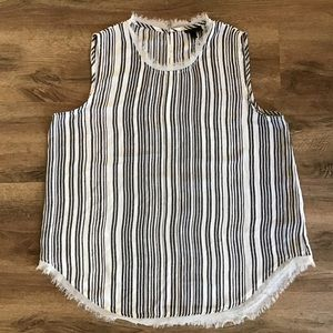 Who What Wear Sleeveless Blouse Raw Hems Size L